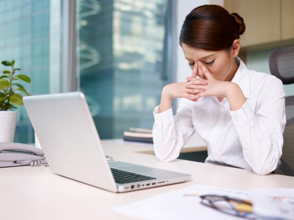 Mẹo vặt chữa mỏi mắt cho dân văn phòng
