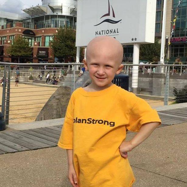 cậu bé ung thư, người anh hùng, cậu bé dũng cảm, cậu bé ung thư dung cảm