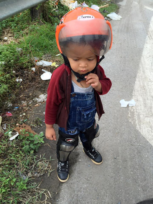 mẹ 9x đưa con đi phươt, mẹ 9x phượt cùng con bằng xe máy