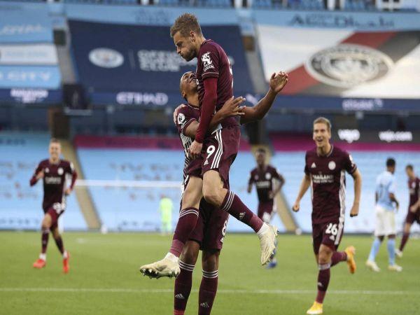 Tin bóng đá sáng 28/9: Thắng đậm Man City 5-2, Leicester chiếm ngôi đầu