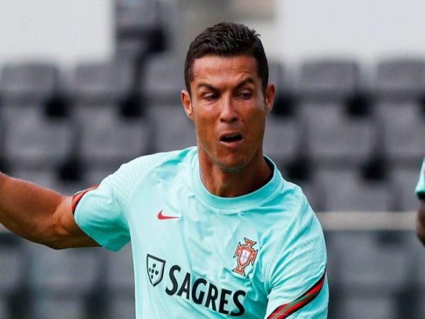 Tin bóng đá tối 4/9: Ronaldo không chắc chơi cho Bồ Đào Nha