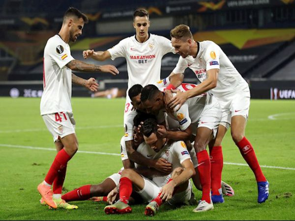 Bóng đá QT sáng 23/2: Sevilla vượt mặt Barca, chiếm vị trí thứ 3
